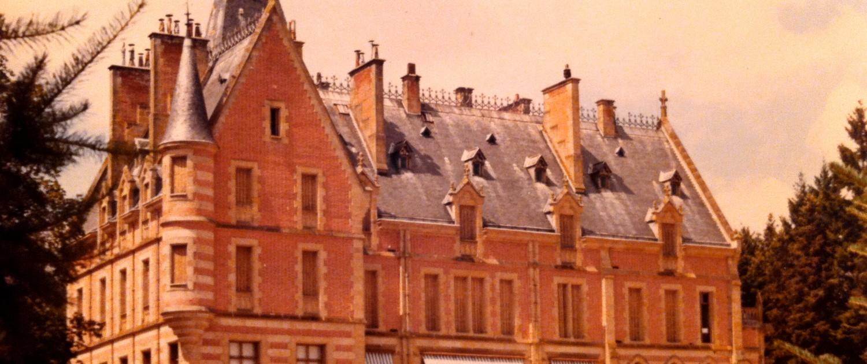 Façade sur la vue Chateau et parc de La Chaussiere